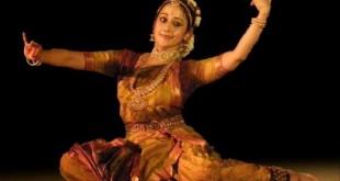 Uma Muralikrishna, a Kuchipudi dancer performing at IIM Bangalore