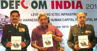 The Union Minister for Defence, Shri Manohar Parrikar releasing the brochure, at the inauguration of the Defcom 2015, in New Delhi on November 23, 2015. The Chief of Army Staff, General Dalbir Singh is also seen.