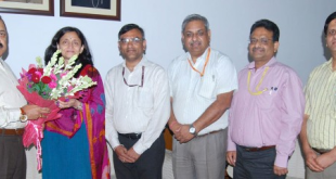A delegation of officers belonging to Central Secretariat Service (CSS) calling on the Minister of State for Development of North Eastern Region (Independent Charge), Prime Minister's Office, Personnel, Public Grievances & Pensions, Department of Atomic Energy, Department of Space, Dr. Jitendra Singh, in New Delhi on July 04, 2015.